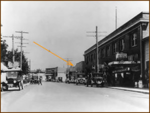 Broadway Street 1920, looking East